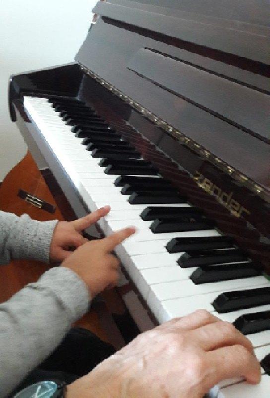 Izei-Olga-piano